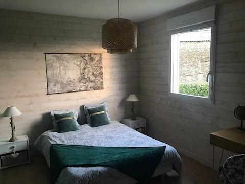 Chambre et salon privés dans maison de charme