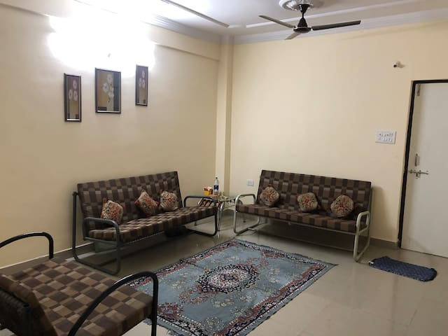 3 BHK flat for a peaceful stay on 6th floor