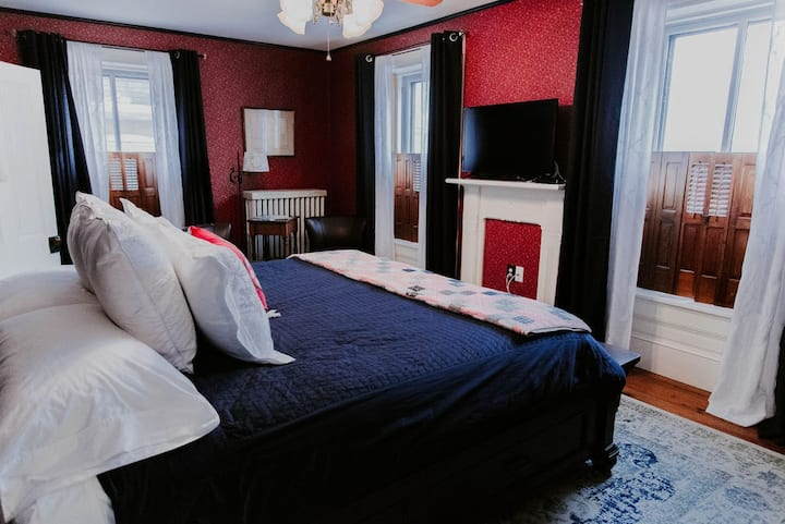 Georges on York B&B: Motter Room