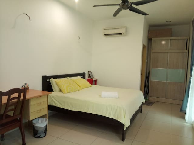 Ensuite Room @Homestay by Penang Hil - Breakfast.
