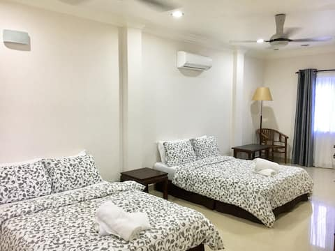 #R2# Private room near UIA Gombak