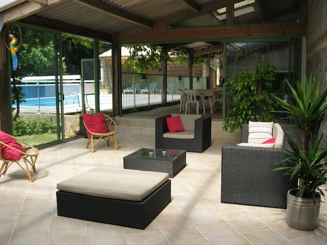 maison de campagne (10 pers)  avec piscine privée - Fenioux - Rumah