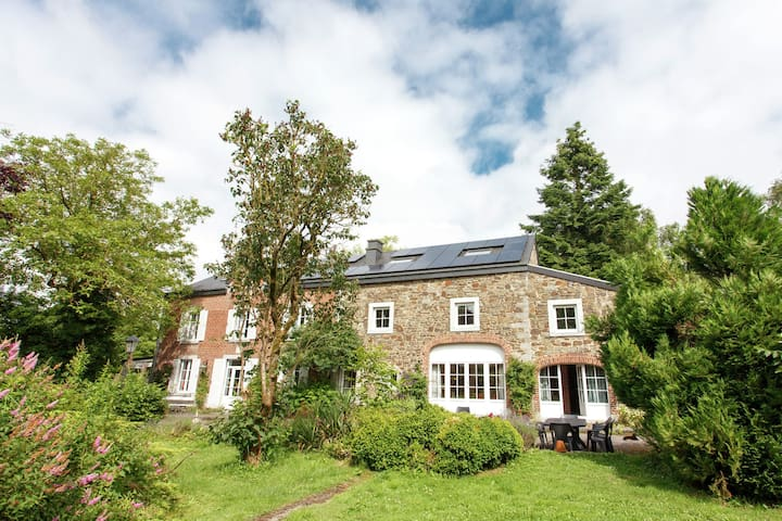 Lavish Farmhouse in Ambly with Forest View