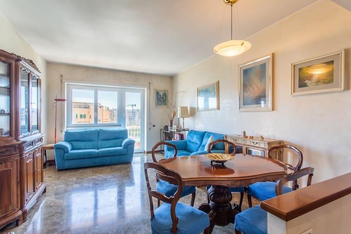 The bright Living room - Il Soggiorno luminoso