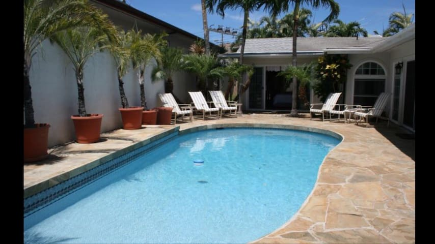 # 3 Affordable Luxury Kahala-pool & A/C.King bed