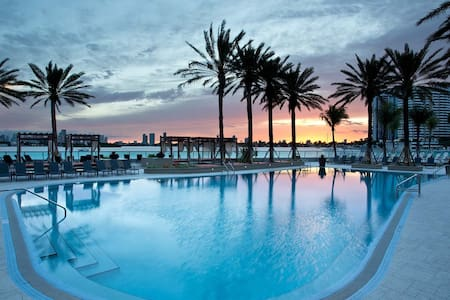 SOUTH BEACH LUXURY ON THE BAY, GYM, POOL - Miami Beach