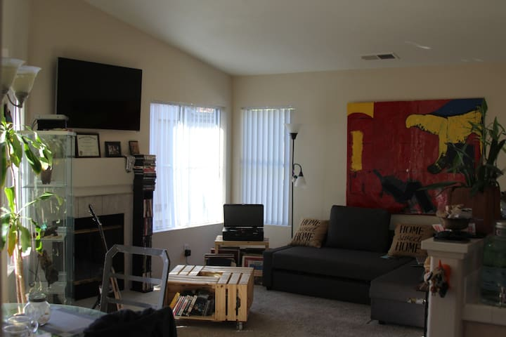 Cozy Condo All to Yourself - Chula Vista