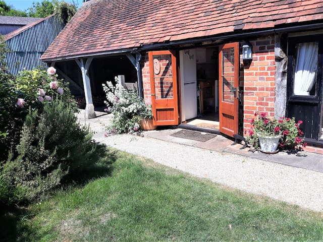 Magical farm cottage in Oxfordshire