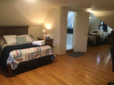 2 double beds,private bathroom