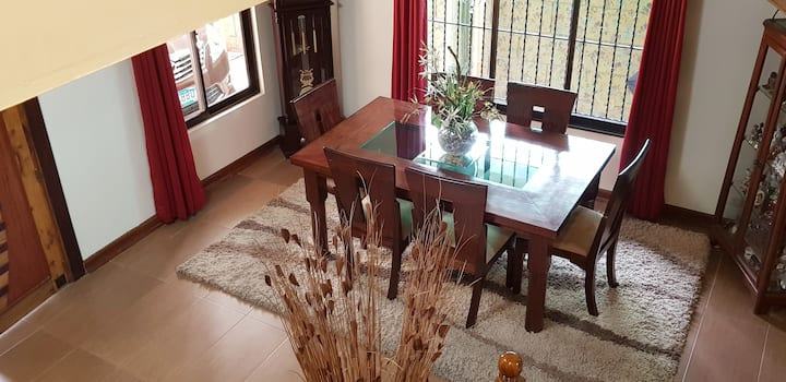 3BR House for Family w/ Unli WIFI for 6+ Guests