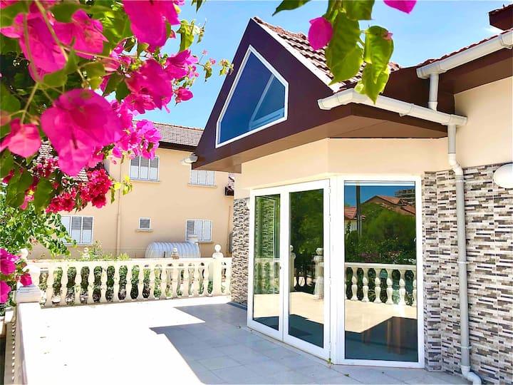Villa 4 bedrooms 200m-sea,sandy beach,North Cyprus