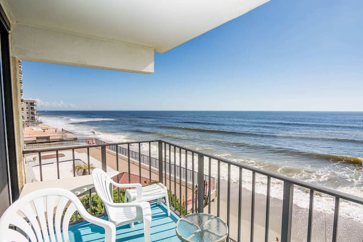 Big Oceanfront 3BR, Room for the Whole Family! Don't Like Heights? Second Floor w/ Elevator