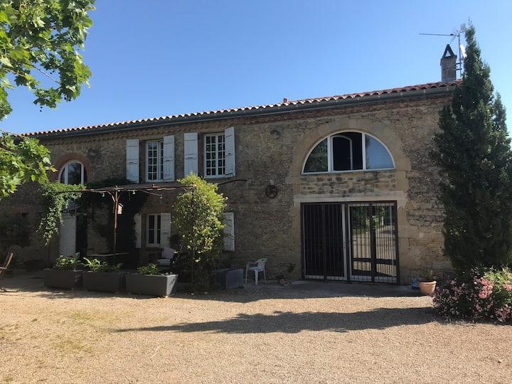 Chambre privée dans Ferme Lauragaise