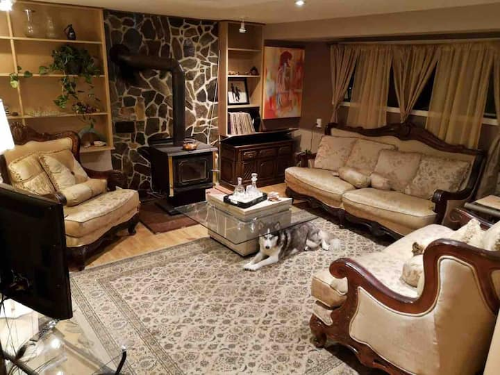 Family Friendly Cul De Sac Home 10 mins From Vic