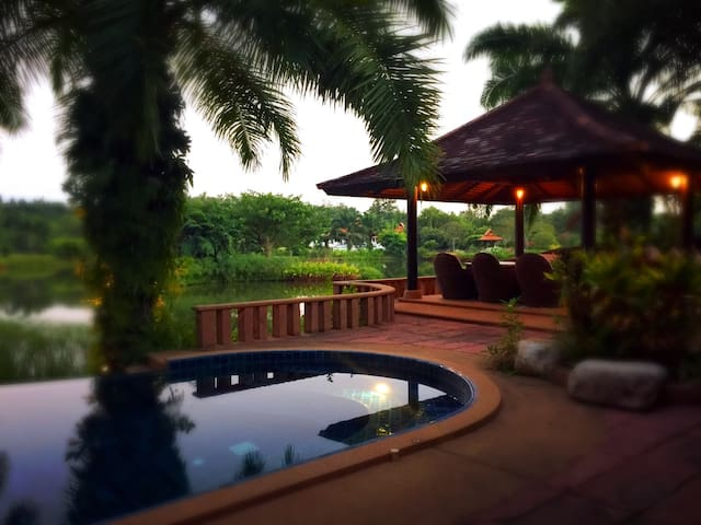 Guesthouse in Stunning Paradise Villa Complex - Chiang Mai - Villa
