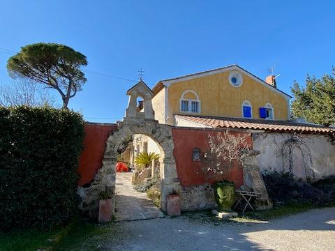 Le Clos de l'Isle - Clergue : Domaine avec piscine