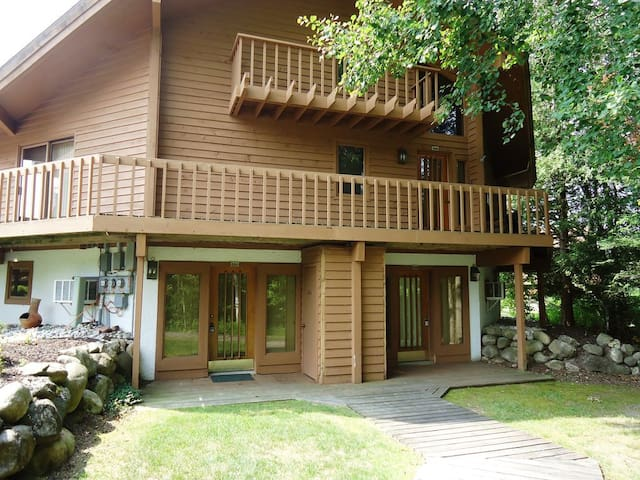 Great condo just  steps from ski and golf!