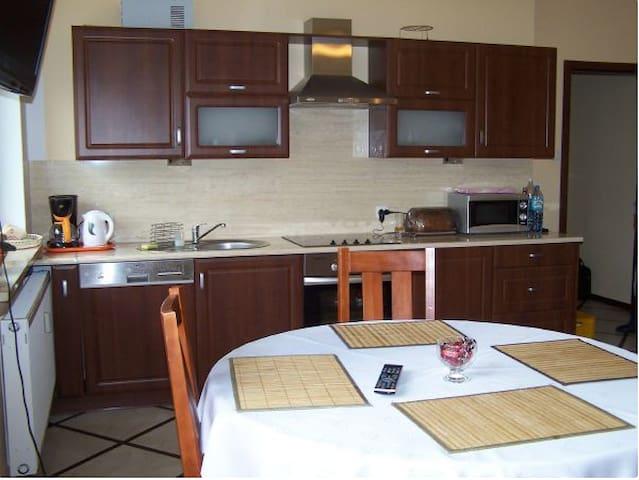 Nowy, w pełni wyposażony apartament - Kołobrzeg - Byt