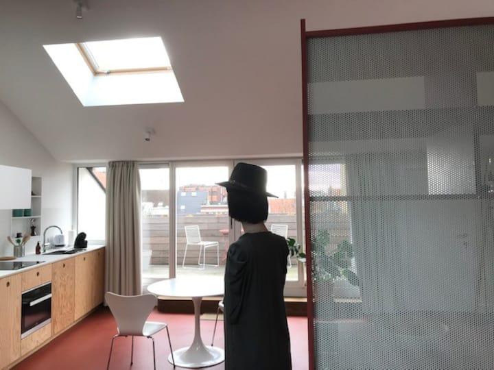 Design loft near Antwerp city centre and De Roma