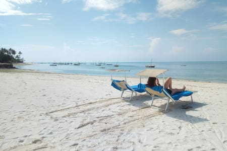 Makame's Beach B&B