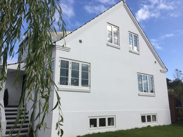 Lækker 80m2 villalejlighed i Højbjerg -Aarhus syd