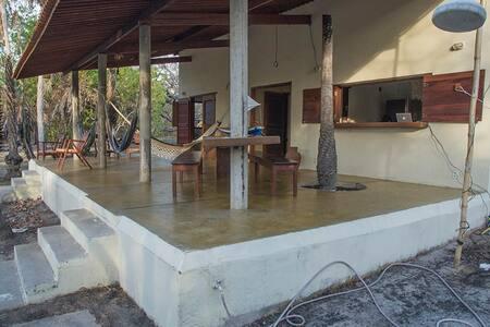 Deliciosa casa em frente a lagoa, em Tatajuba - Camocim - House