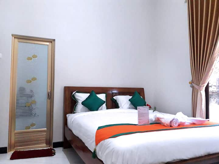 Homestay Purbalingga (3 Bed Room Full AC)