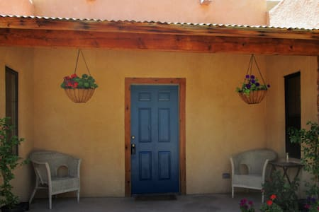 Private Rooms/Bath in Old Mesilla - Mesilla - 独立屋