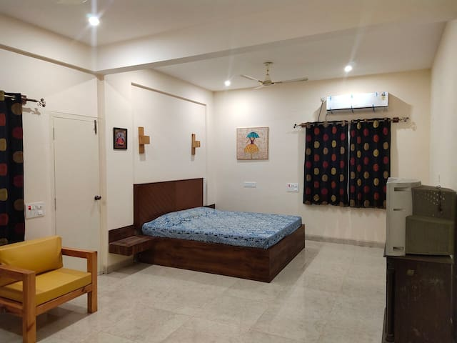 King Size Super Luxury Room Yelahanka Bangalore