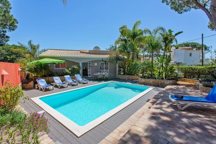 Luxury Villa in Vilamoura Algarve with Barbecue