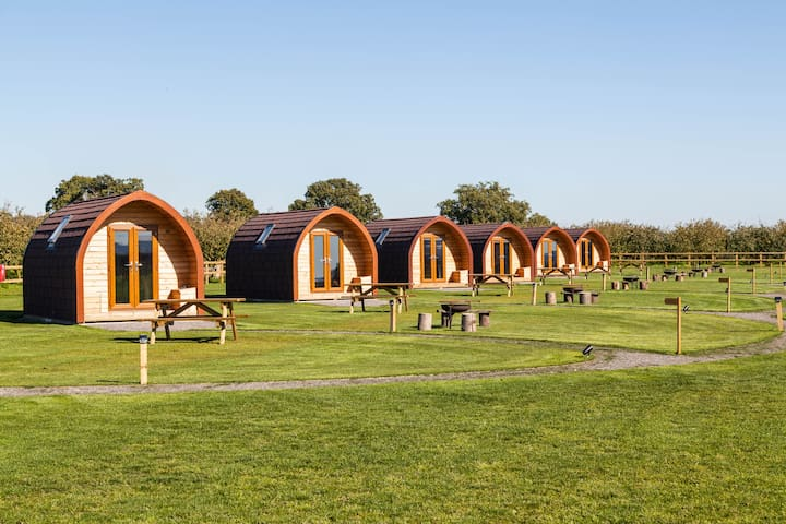 Luxury Glamping Pod - Oullins