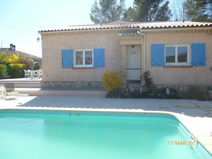 Villa avec piscine privée à Salernes Var 83