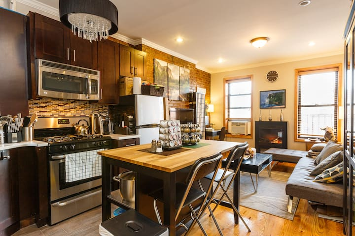 Midtown West Modern Charming 1BD Apt near Times Sq