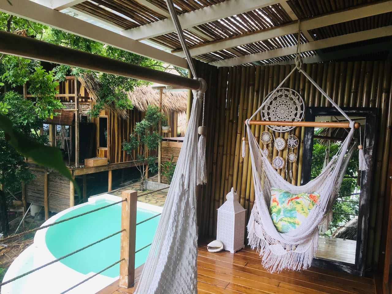 Relaxing hammock days overlooking a turquoise pool & casita Single Fin