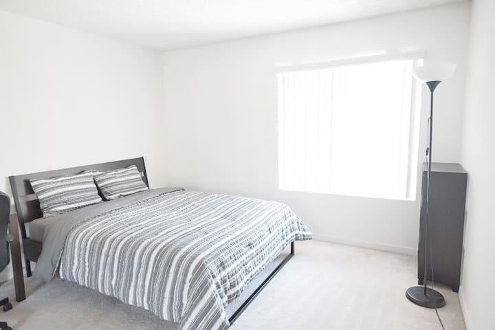 Clean& Cozy BD near UCI - Irvine - Apartemen