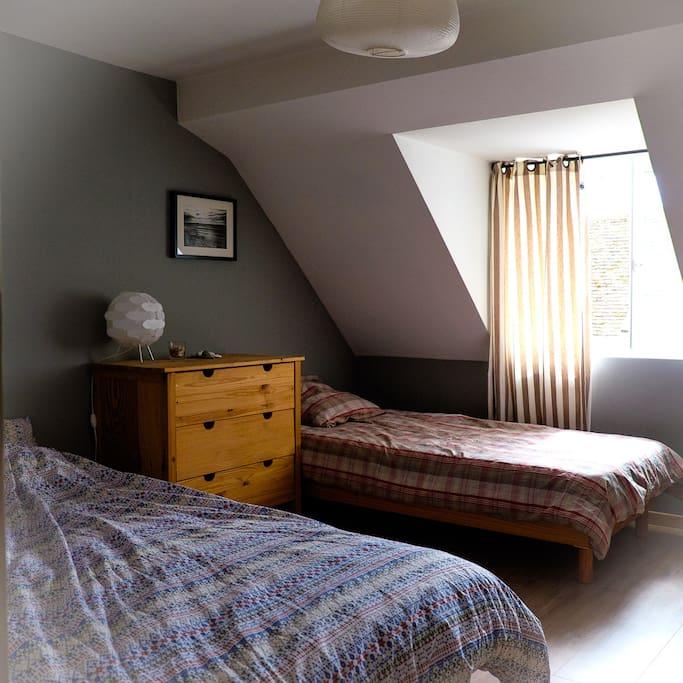 chambre trois couchages