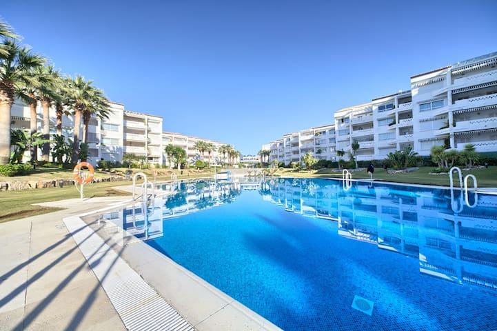 Puerto Banus on the beach 1-67 - Marbella - Wohnung