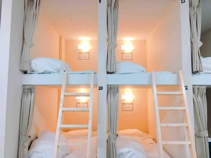 "【Ladies Room】No,5 ""ONE""Hostel&StandingBar"