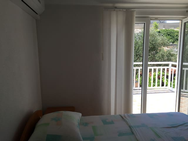 Triple bedroom with balcony - Neum - Casa