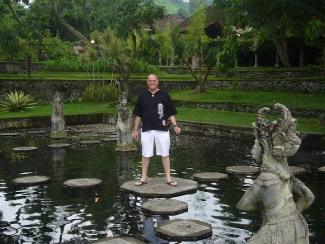 Tirta Gannga Royal Water Palace at nearby Amlapura