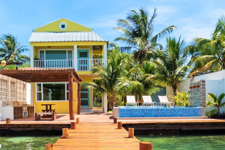 Private Balcony Villa at Marina Comodoro