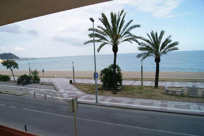 El Sorrall 1-1. Studio apartment with sea views