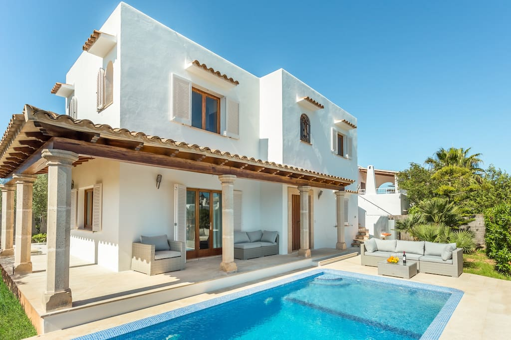 Cala d 39 or 4 big families luxury by the center villas for for V villa 3 bedroom pantip