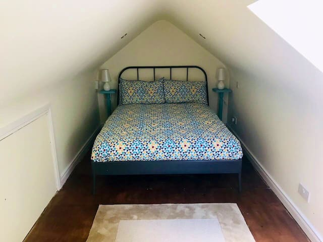 Loft sleeping area with double bed room single mattress, Toddlers travel cot available