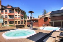 Take advantage of the 4 outdoor hot tubs which are perfect for relaxing after a day on the hill.