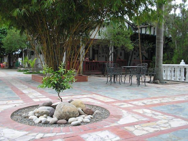 Hostal Granja Tolcaribe. Dias seman - Saldaña - Cabana