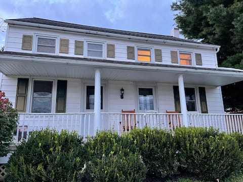Charming 3BR in Lancaster County, (2kingbeds)