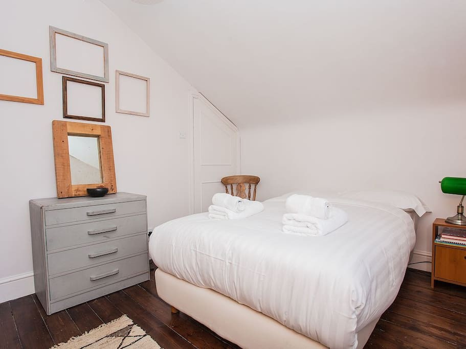 Warm and cosy bedroom where you will find a very comfortable double bed with high quality mattress, linen and pillows.