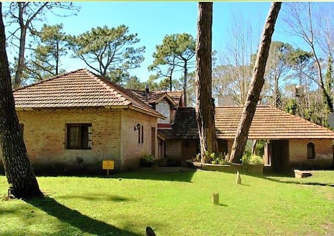 Casa en Cariló a un paso del mar