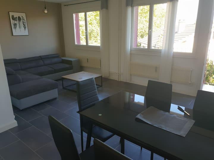 Appartement T3 ÉQUIPÉ  Proche toutes Commodités